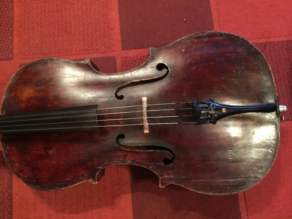 старинная виолончель