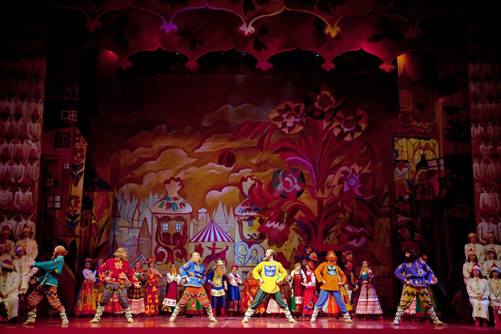 Золотой петушок прилетит в Новую оперу